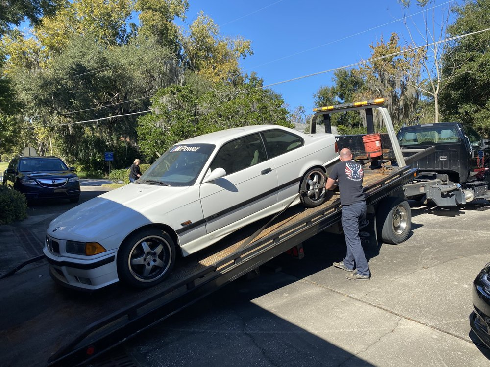 Towing business in Eustis, FL