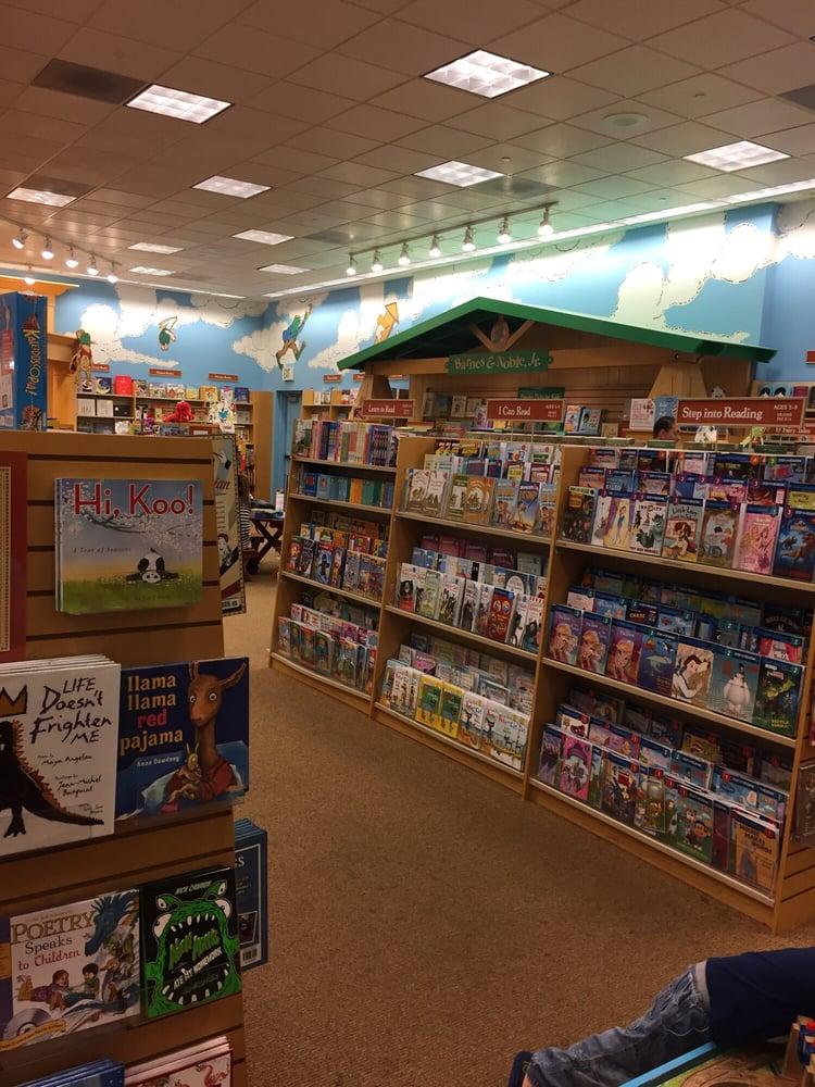 Barnes & Noble Bookstore - 11 Photos & 38 Reviews ...