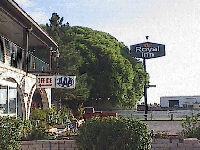 Royal Inn: 1170 S Coveview Rd, Richfield, UT