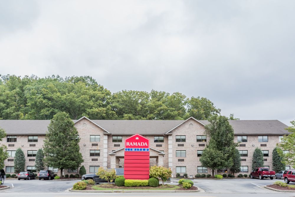 Ramada Limited Huntington: 3094 16th Road, Huntington, WV