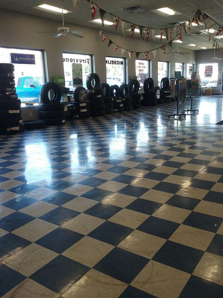 Neal Tire & Auto Service: 110 5th St, Charleston, IL