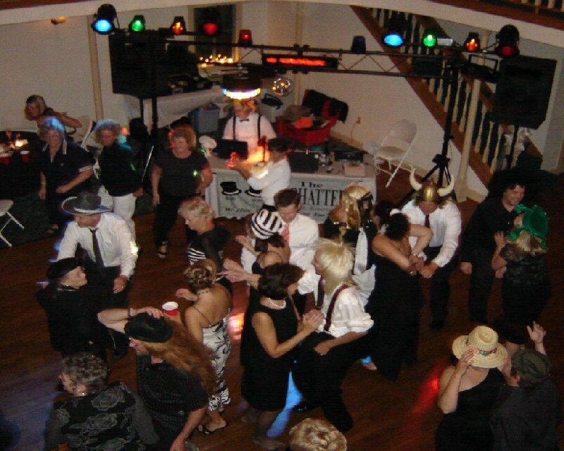 Madhatters Music & Entertainment: 2620 S Cleveland Ave, Saint Joseph, MI