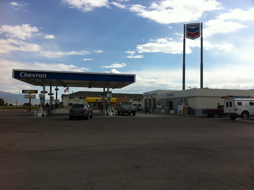 Gayle's Chevron: 1357 N Main St, Richfield, UT