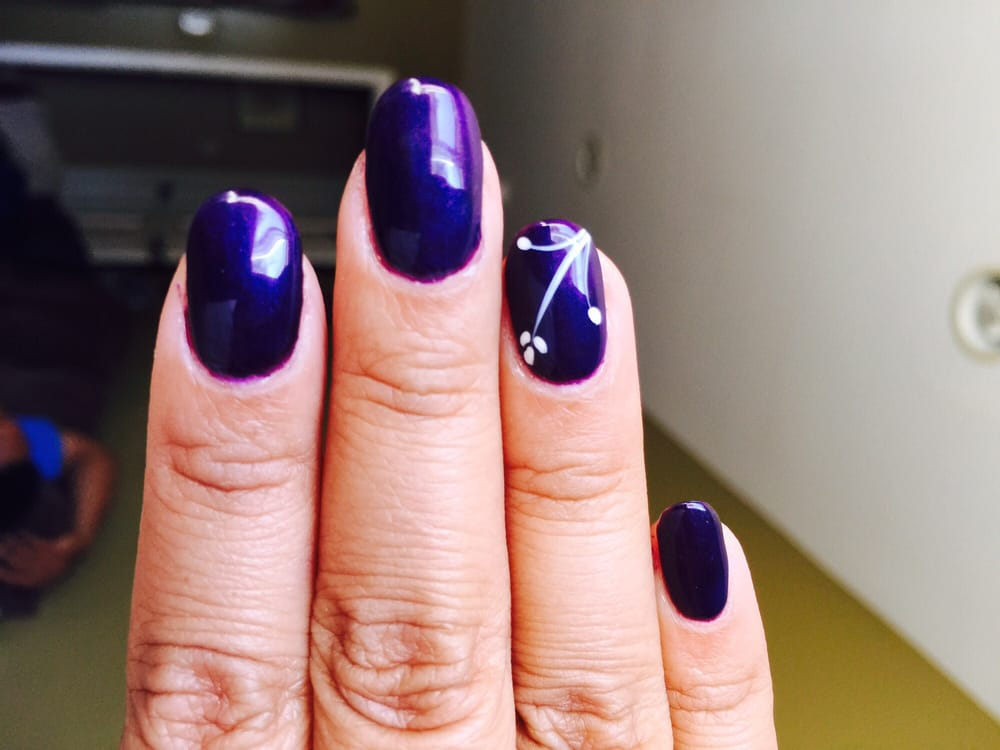 Deep purple gel manicure w/a nice simple design, just like I wanted ...