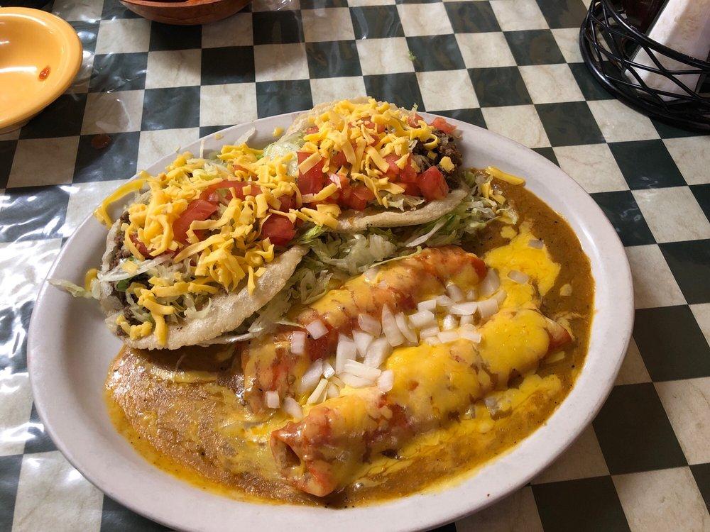 Sely's Mexican Restaurant: 737 San Antonio St, Pleasanton, TX