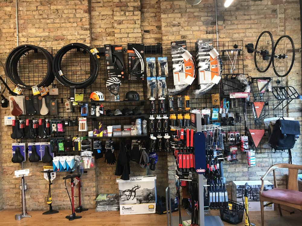 Tailwind Cycles: 3259 W Lawrence Ave, Chicago, IL