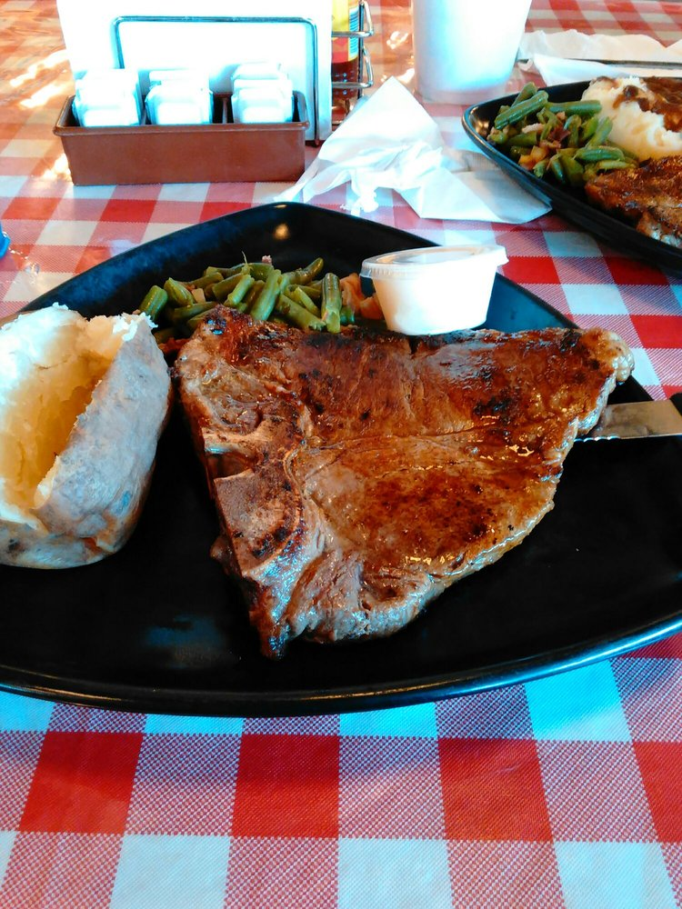 Baldy's Classic American Diner: 9595 Hwy 87 E, Adkins, TX
