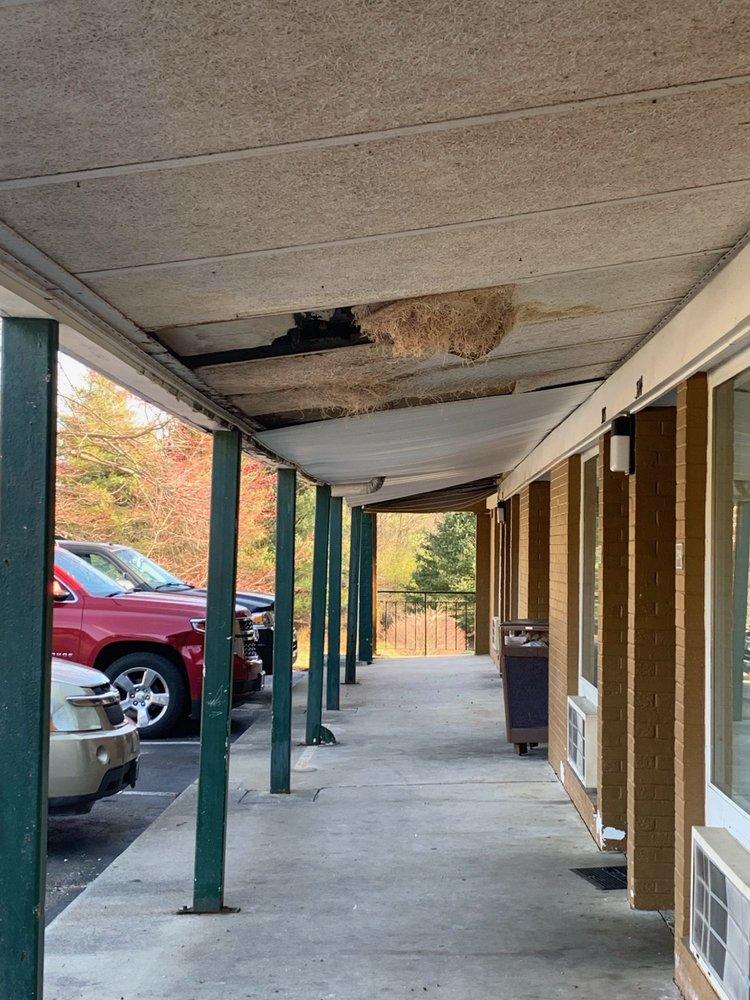 Howard Johnson by Wyndham Daleville/Roanoke North: 437 Roanoke Road, Daleville, VA