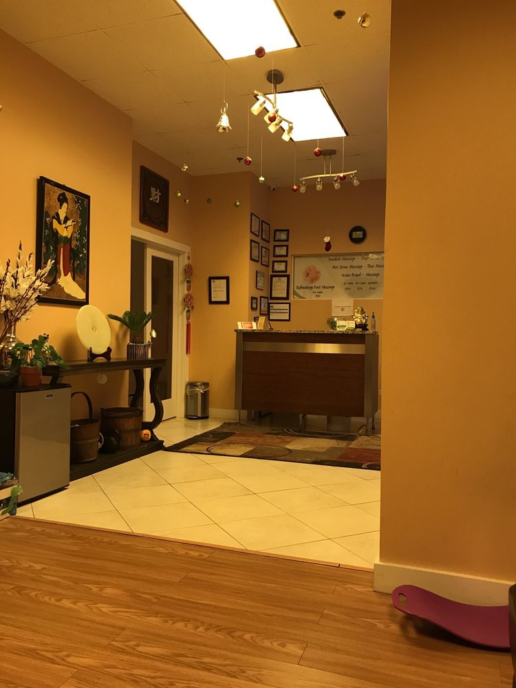 Asian Royal Spa: 2021 Milwaukee Ave, Riverwoods, IL