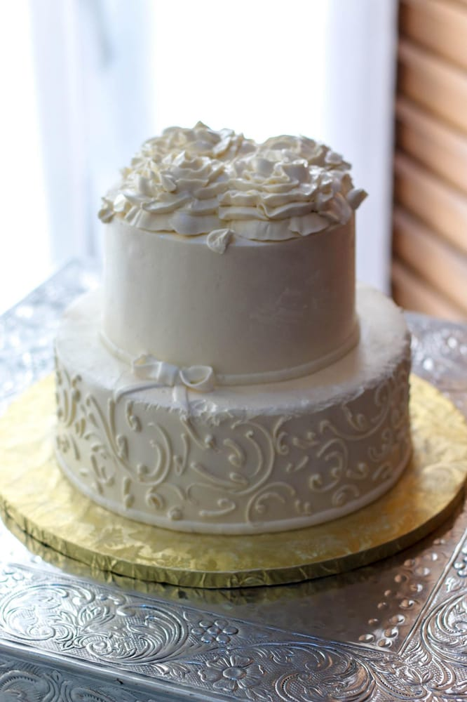 Photo Of Riviera Bakehouse Ardsley Ny United States Wedding Cake Top