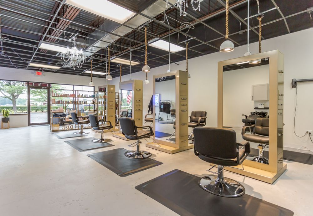 Drop-Dead Gorgeous Salon: 7341 Airport Hwy, Holland, OH