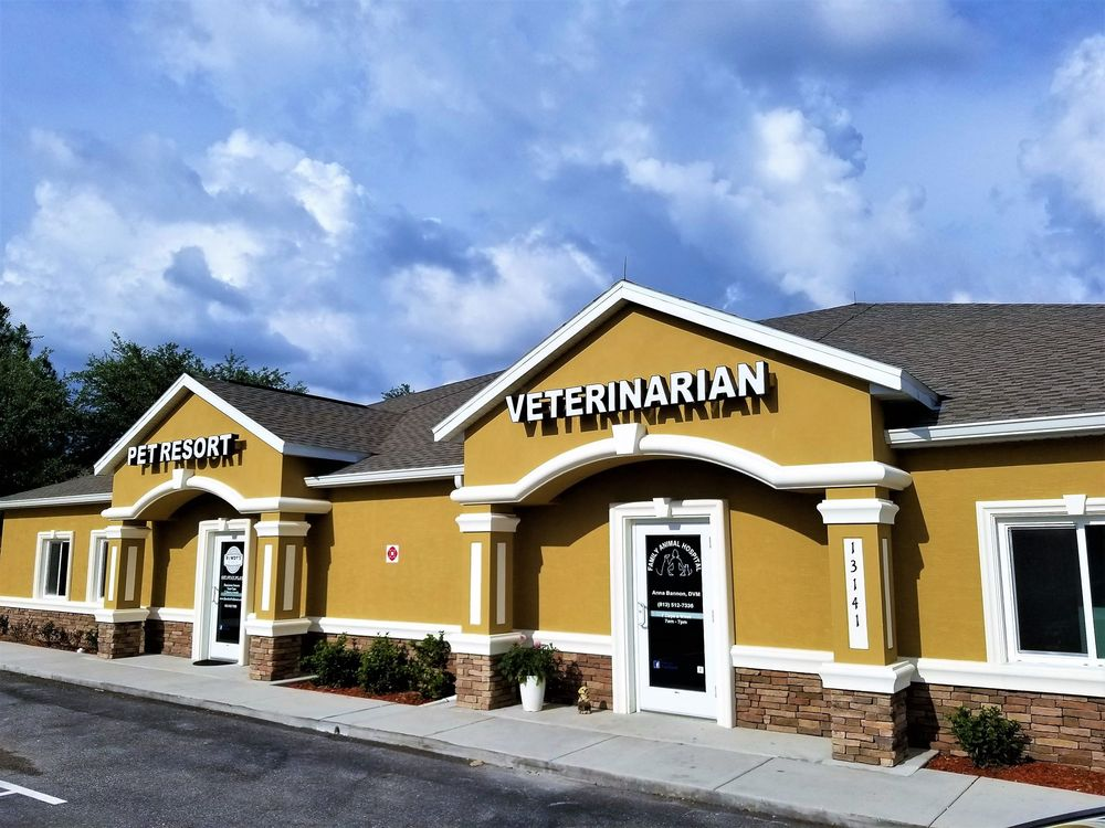 Family Animal Hospital: 13141 Kings Lake Dr, Gibsonton, FL