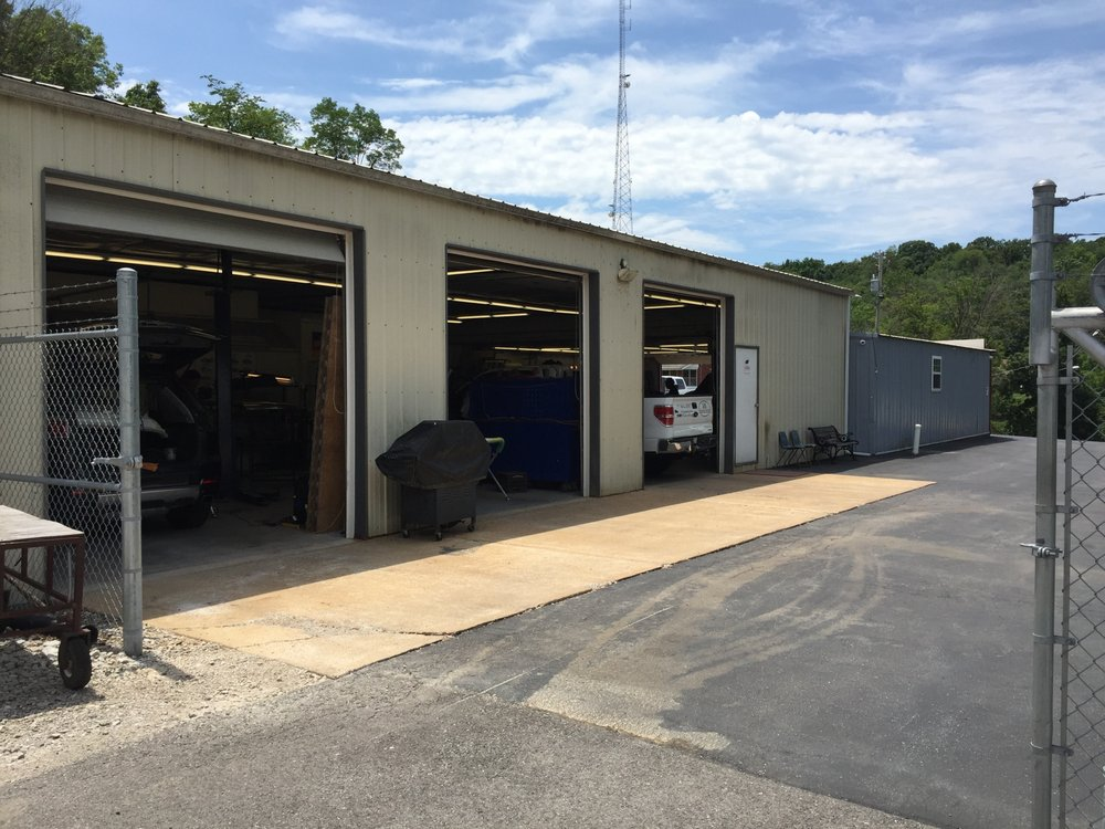 Performance Auto Body: 6348 Us Hwy, Imperial, MO