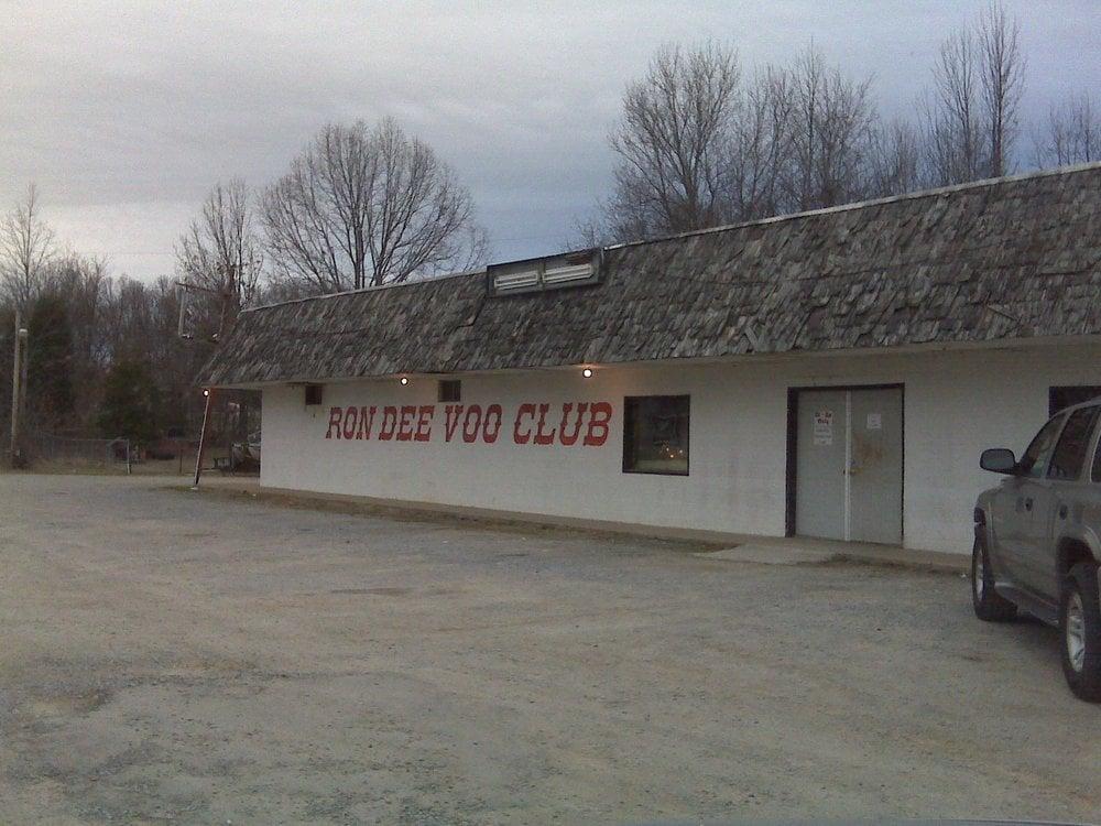 Ron Dee Voo Club: 3031 Hwy 36 S, Dickson, TN