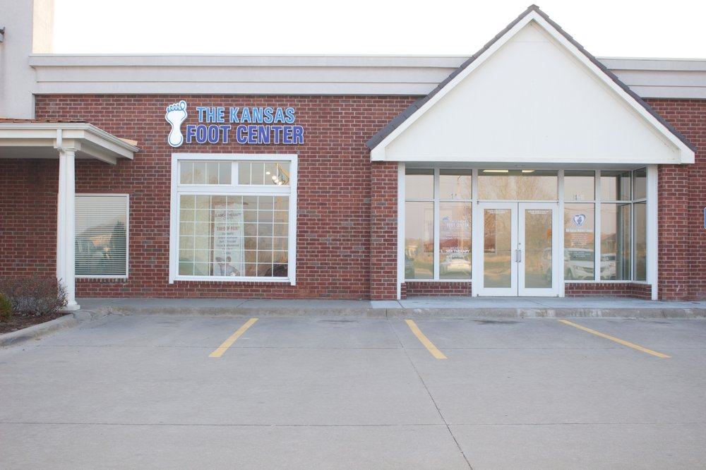 Kansas Foot Center P.A., Thomas Truong DPM: 3460 N Ridge Rd, Wichita, KS