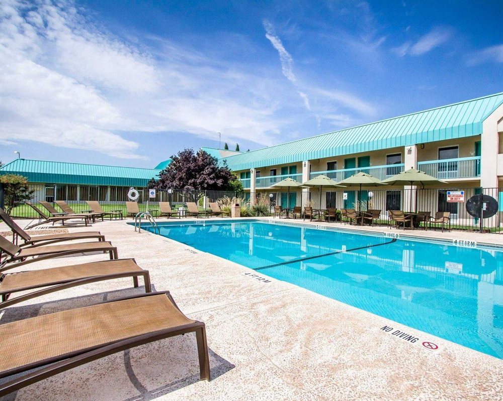 Quality Inn: 4600 E Pine St, Deming, NM