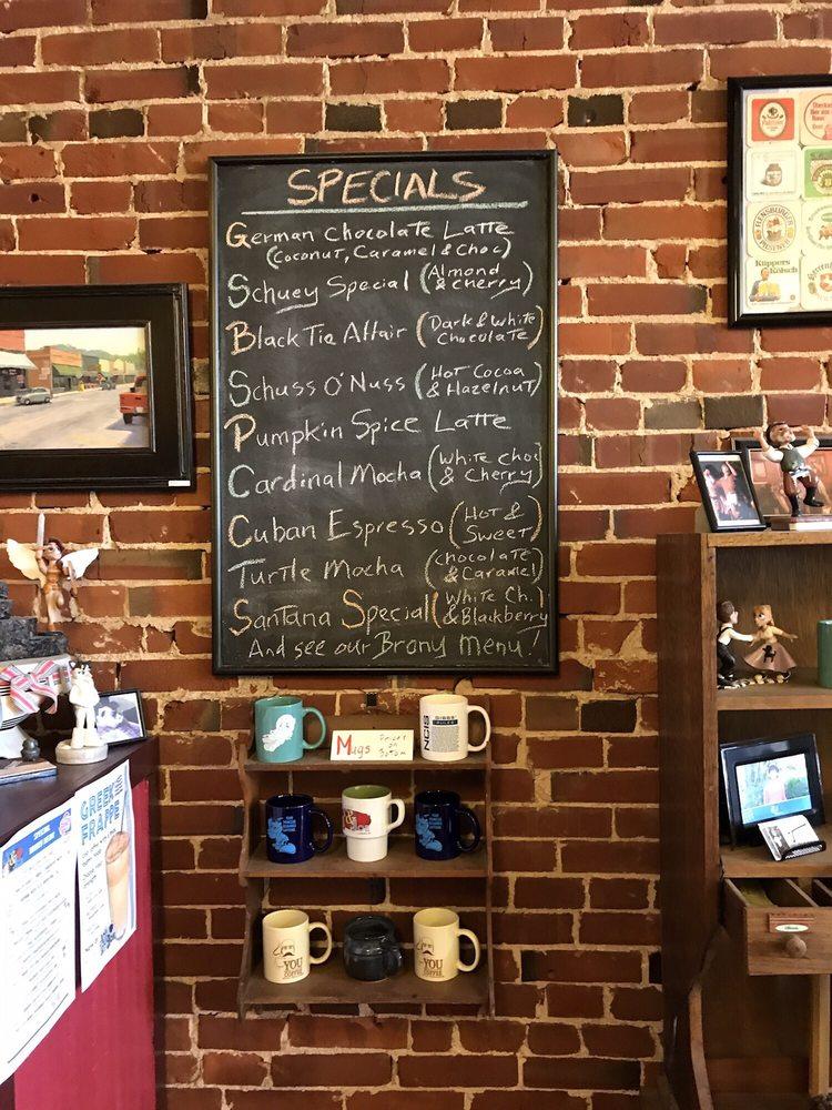 Art & Joe: 105 Main St, Steelville, MO
