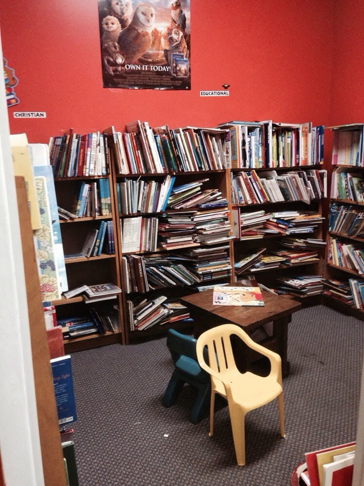The Book Owl Inc: 5772 Churchland Blvd, Portsmouth, VA