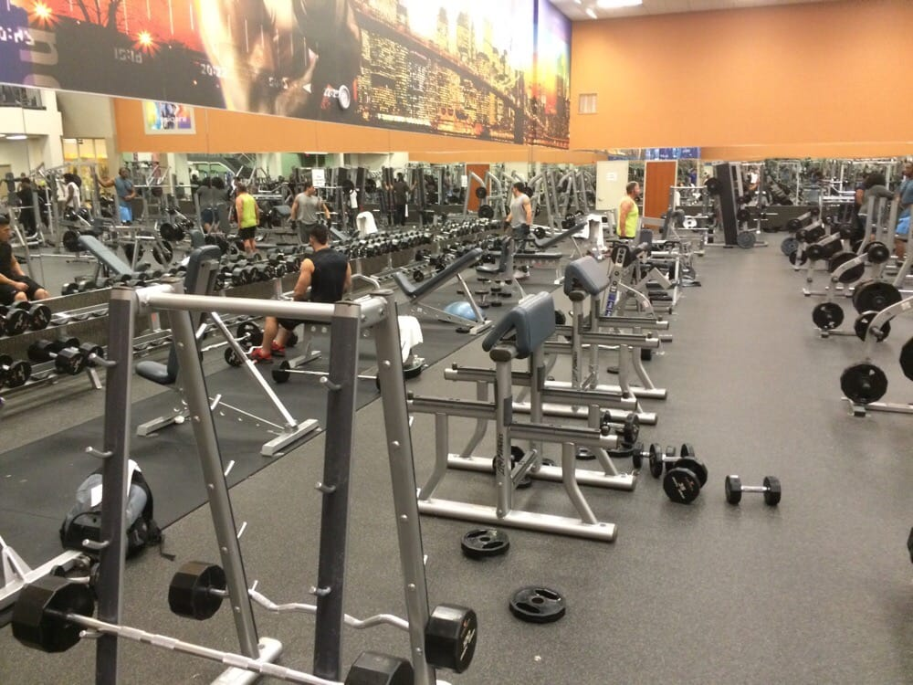 Racks Empty Weights All Over The Place Par For The