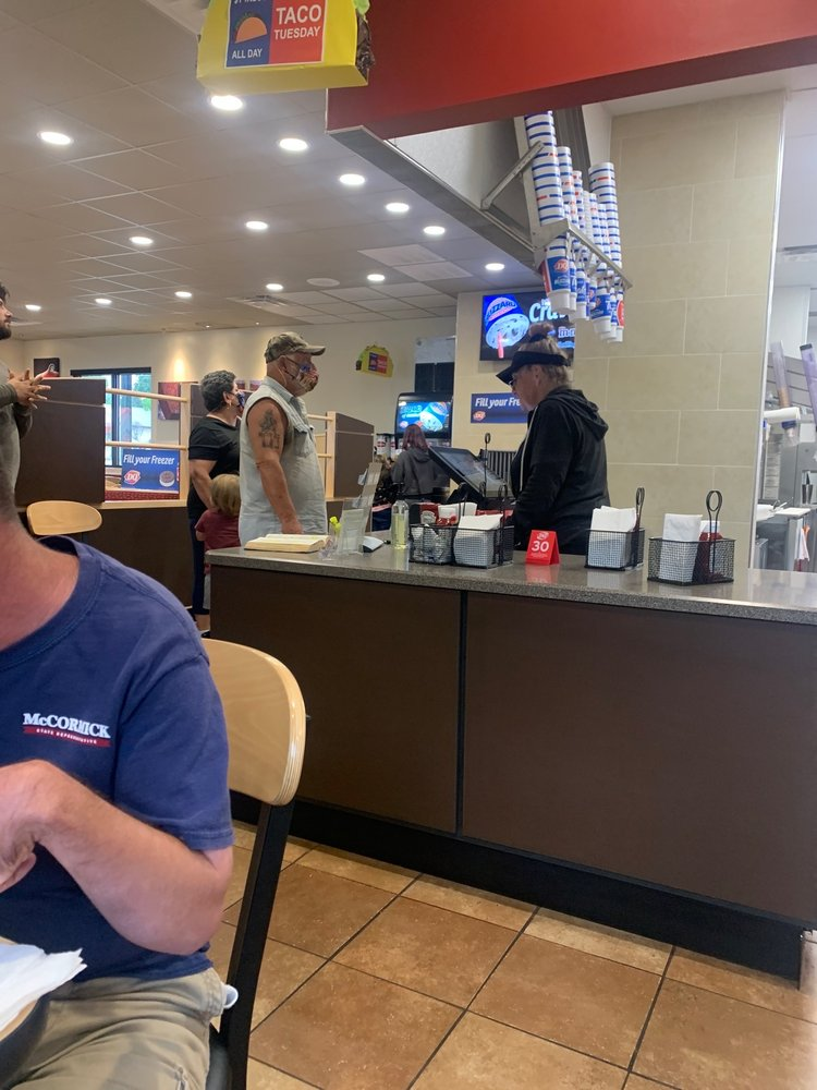 Dairy Queen: 310 S Main, Lindale, TX
