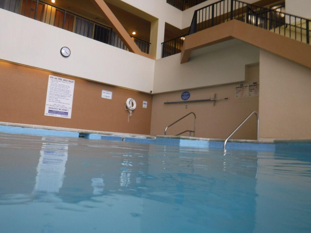 The Atrium Resort (VA) - Slideshow Image 3
