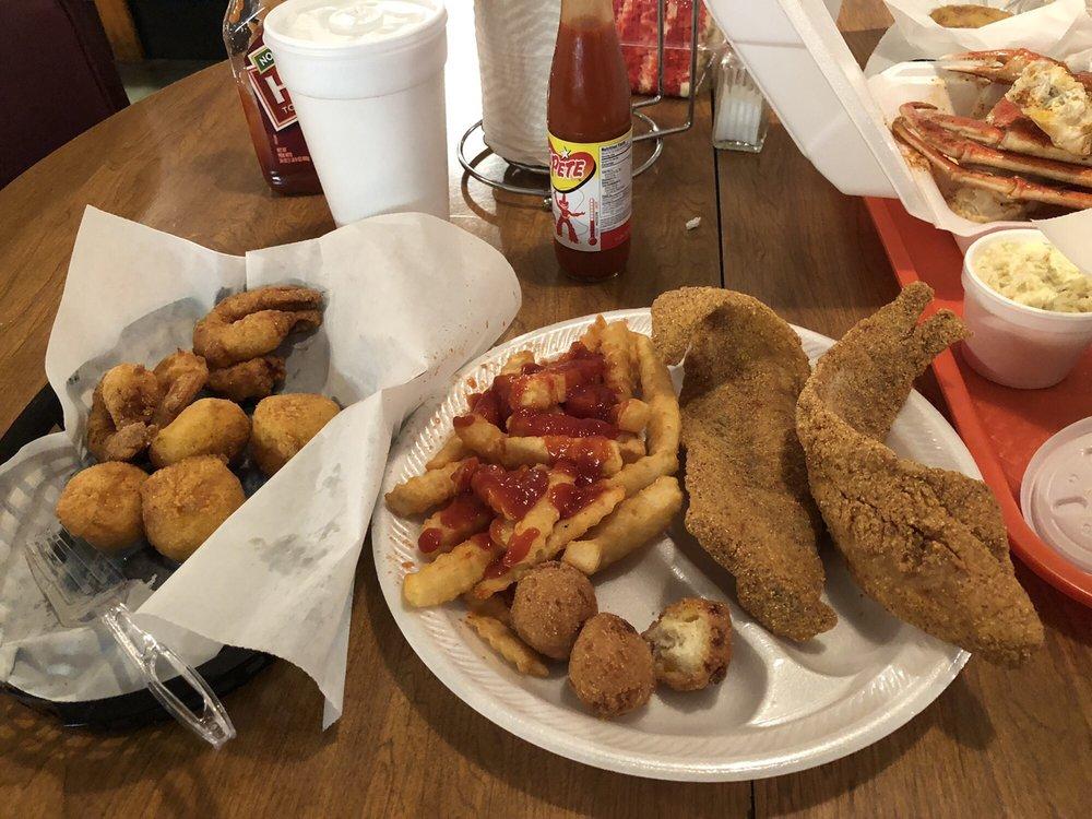 BIG T'S Seafood Restaurant: 4314 Wrightsboro Rd, Grovetown, GA