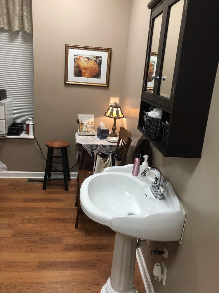 Riversong Spa & Salon: 109 W Ashley St, Jefferson City, MO