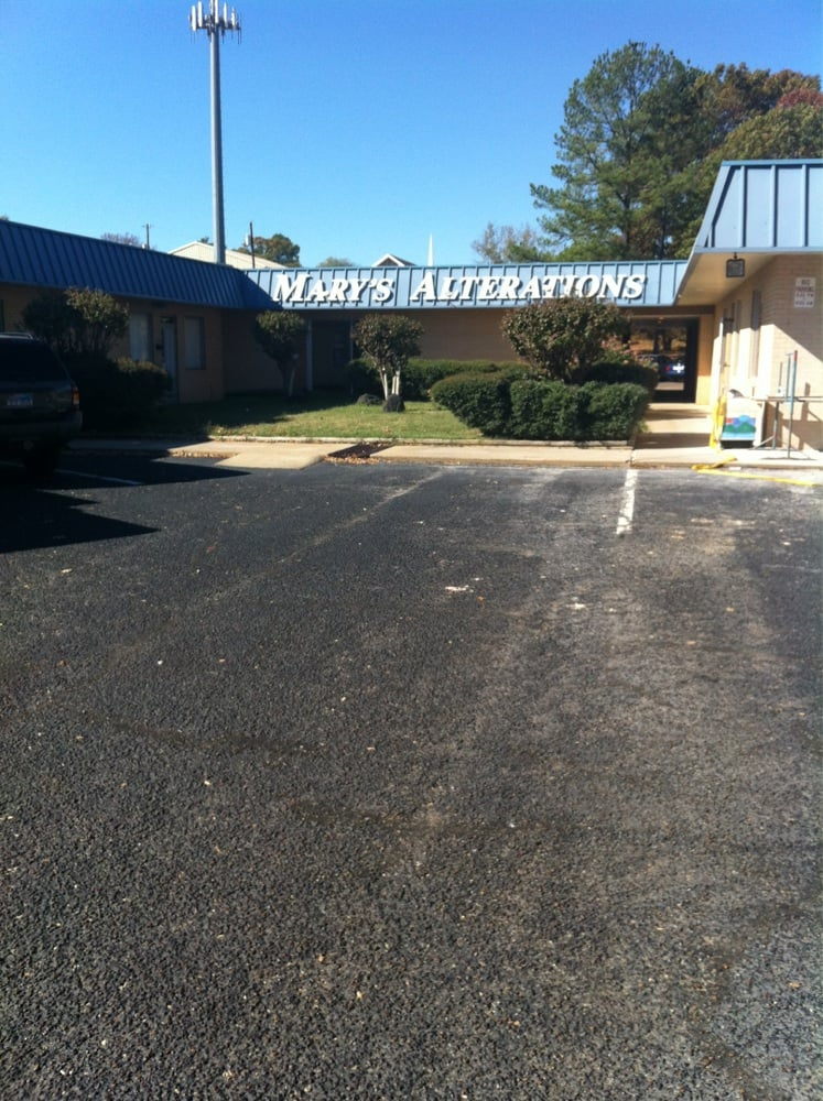 Mary's Alterations: 3913 S Broadway Ave, Tyler, TX