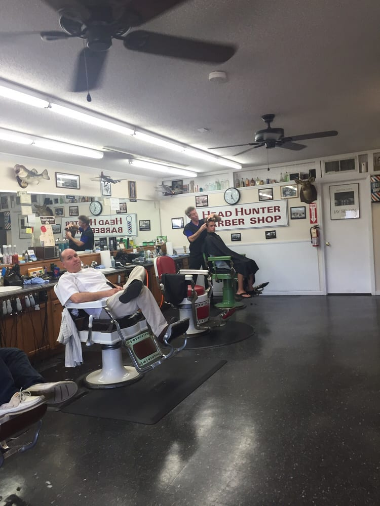 Head Hunters Barber Shop: 10000 Beach Dr SW, Calabash, NC