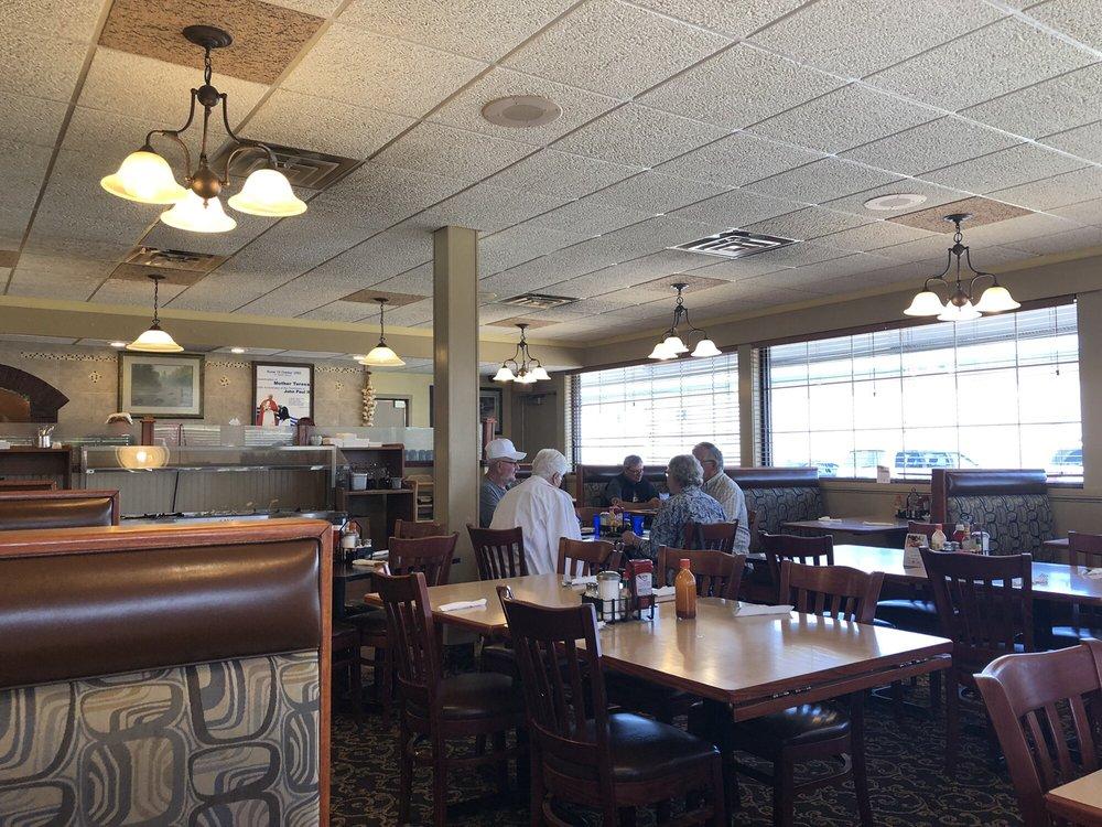 Viroqua Family Restaurant: 854 N Main St, Viroqua, WI