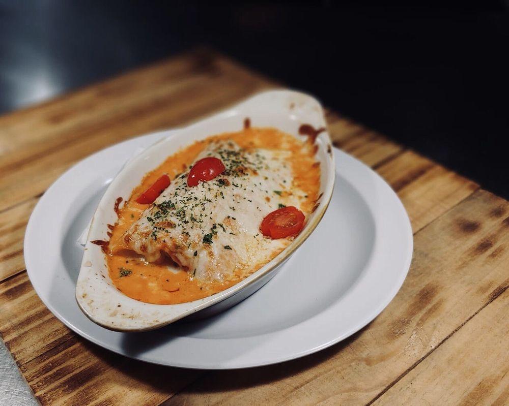 Pizzeria Trattoria Italiana: Calle Pepita Albandoz 65, Canóvanas, PR