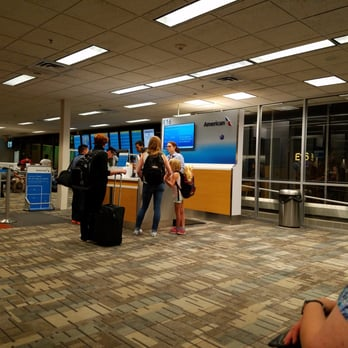 American Airlines - 16 Reviews - Airlines - 4300 Glumack Rd, Saint ...