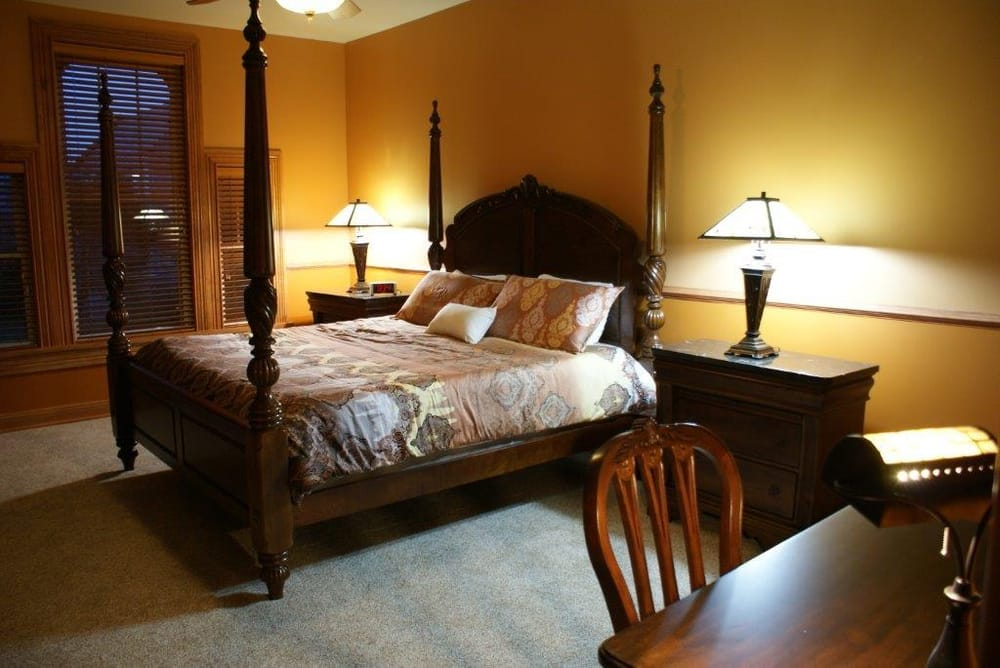 Fisher House Bed and Breakfast: 407 5th Ave S, Clinton, IA