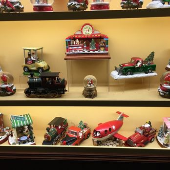 Christmas Village in New York City - CLOSED - 24 Photos - Toy ...