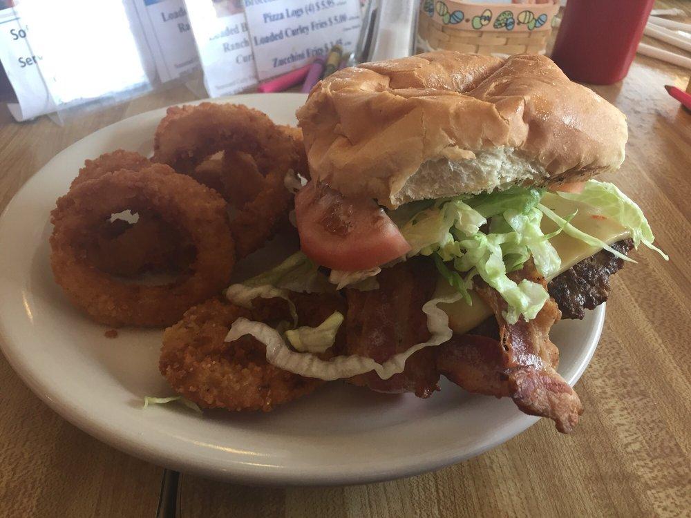 Bob's Place Restaurant: 103 N Wayne Ave, Parker, PA