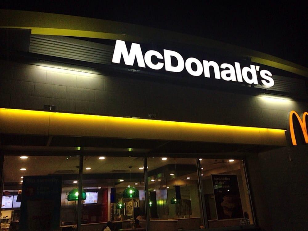 McDonald's: 1002 Hwy 82 E, Leland, MS