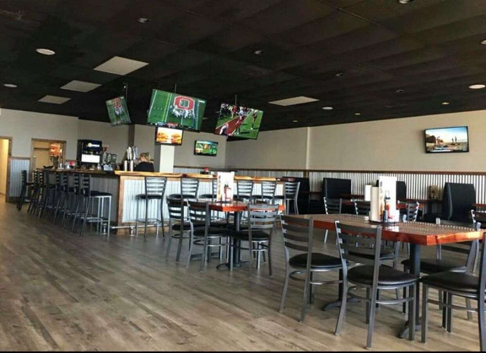 Rack and Reel Sports Grill: 14 Camden Bypass, Camden, AL