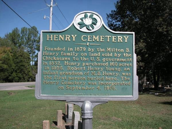 Henry Cemetery: 3042 Polk St, Corinth, MS