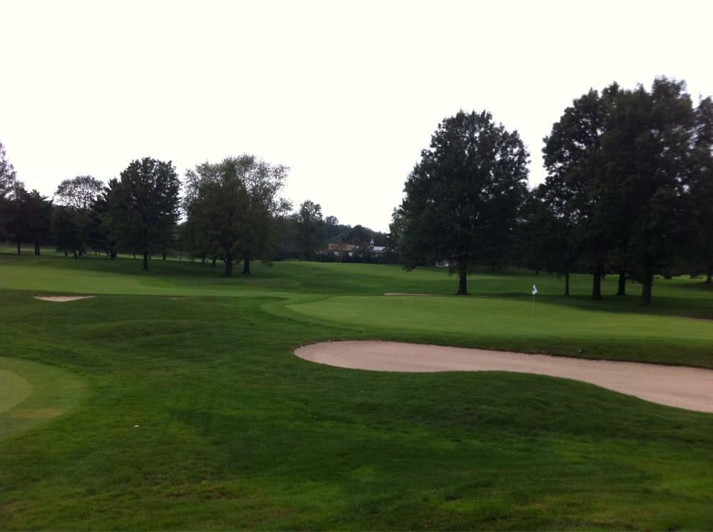 Lake Success Golf Club: 318 Lakeville Rd, New Hyde Park, NY