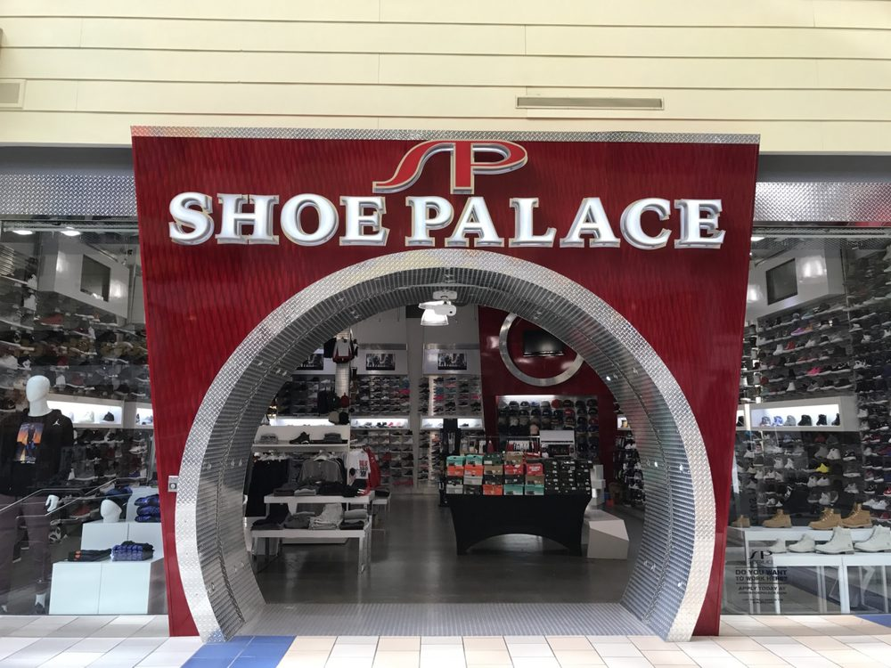 Shoe Stores At Main Place Mall