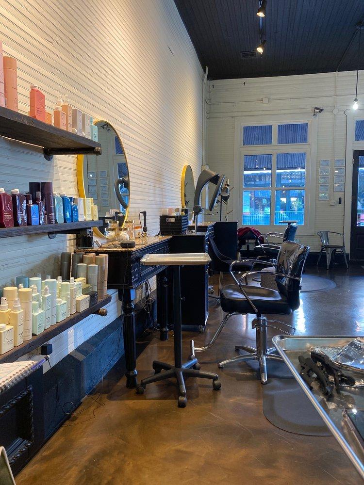 Walker Street Salon: 12019 Walker St, Arlington, TN