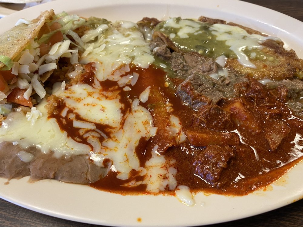 Ernesto's Mexican Food: 200 Anthony Dr, Anthony, NM