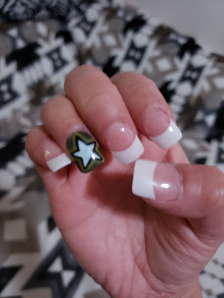 Top Nails: 406 W Fleming Dr, Morganton, NC