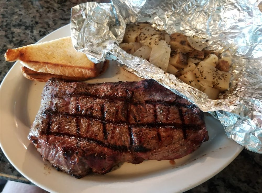 Mad Mary's Steakhouse and Saloon: 306 N Veterans St, Flandreau, SD