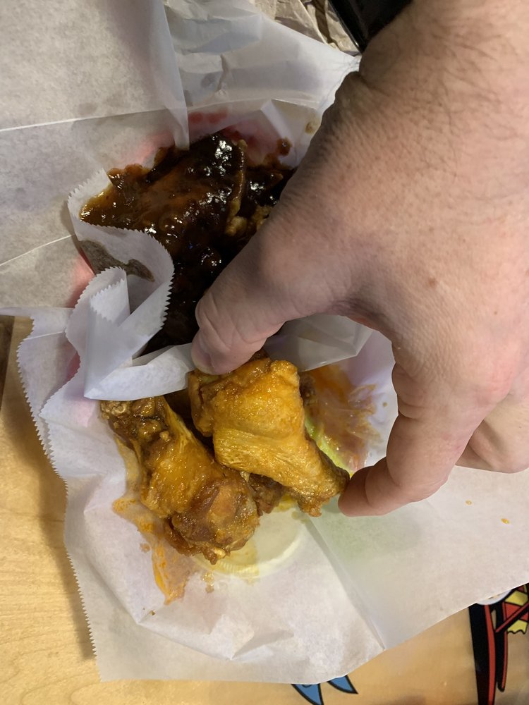 Wings Etc: 870 N Lima Rd, Kendallville, IN