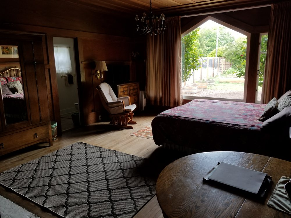 Living Light Inn: 533 E Fir St, Fort Bragg, CA