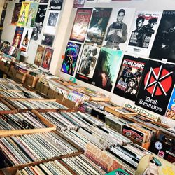 Wax N Facts 19 Photos Amp 66 Reviews Music Amp Dvds