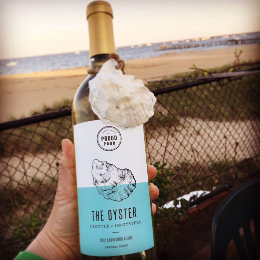 Hampton Bays Wines & Spirits: 46 E Montauk Hwy, Hampton Bays, NY