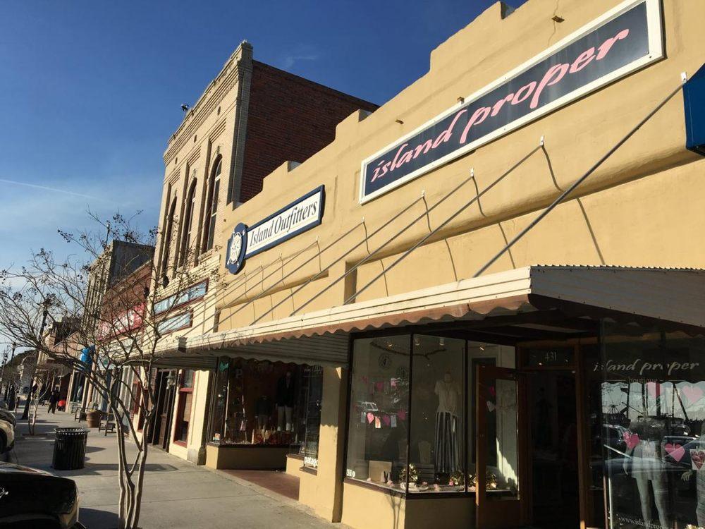 Island Proper Boutique: 431 Front St, Beaufort, NC