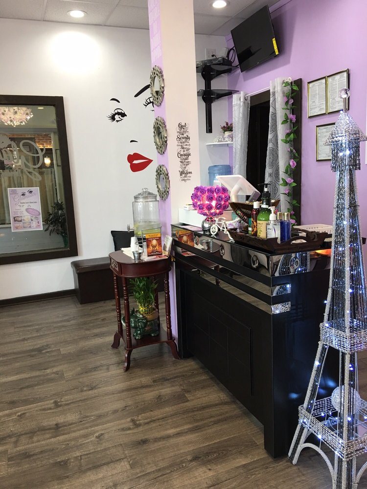 Glamour Threading, Facial and Waxing Studio: 21 Audrey Ave, Oyster Bay, NY